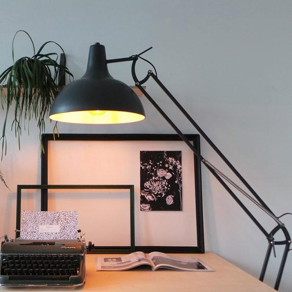 Robuste Stehlampe Giga schwarz